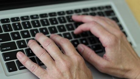 Hands on keyboard 2148723 960 720